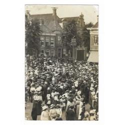 Feest op het plein 1925 - onbekende fotokaart