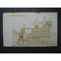 Noordwijkerhout 1920 - polderwerkers - fotokaart