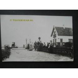 Veerboot en veerhuis 1925 - fotokaart onbekend