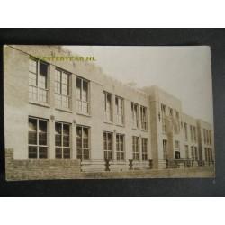 Gebouw ca. 1930 - fotokaart onbekend