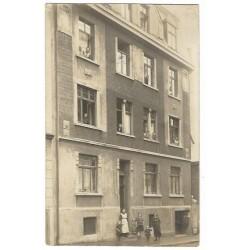 Flatgebouw ca. 1935 - fotokaart onbekend