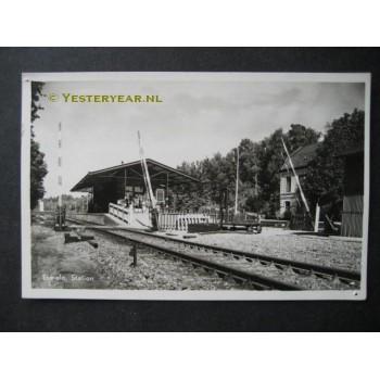 Ermelo 1950 - Station met overweg