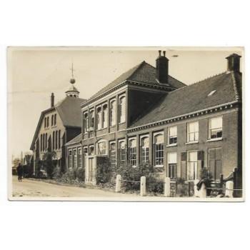 Stavenisse 1940 - kerk en school fotokaart