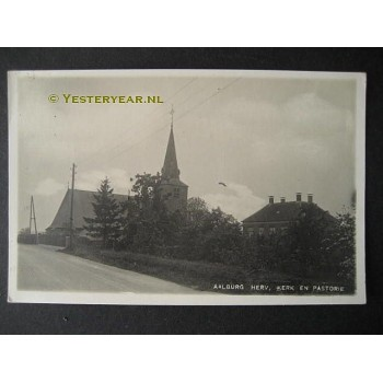 Aalburg ca. 1925 - kerk-pastorie - fotokaart