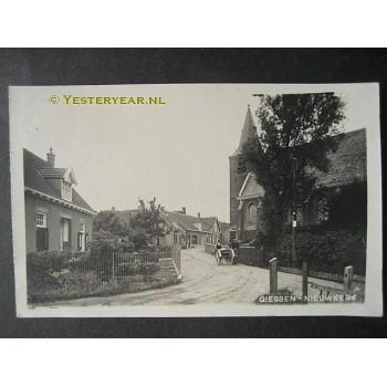Giessen Nieuwkerk 1930 - dorpsstraat met kerk