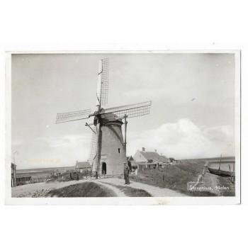 Stavenisse 1955 - molen + molenaar