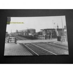Opheusden ca. 1960 - station-trein-overgang
