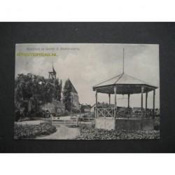 Hoedekenskerke 1909 - muziektent en dorpsgezicht
