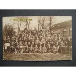 Krommenie ca. 1920 - Fanfare Onderling Genoegen - fotokaart