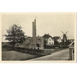 Usquert 1943 - gemeentehuis en molen