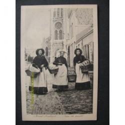 Veghel 1915 - meisjes naar de botermarkt