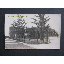 Werkendam 1932 - Kiosk Plein - fotokaart