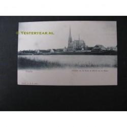 Venlo ca. 1905 - gezicht op de kerk te Blerick en de Maas