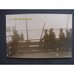 Marken 1916 - koninklijk bezoek - overstromongen - fotokaart
