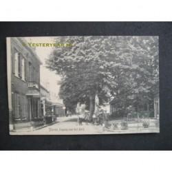 Dieren 1921 - Ingang van het dorp
