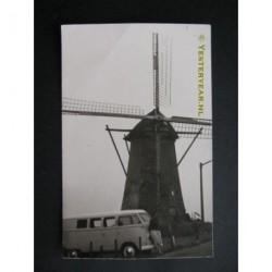 Den Bommel ca. 1960 - molen en VW bestelbus - fotokaart