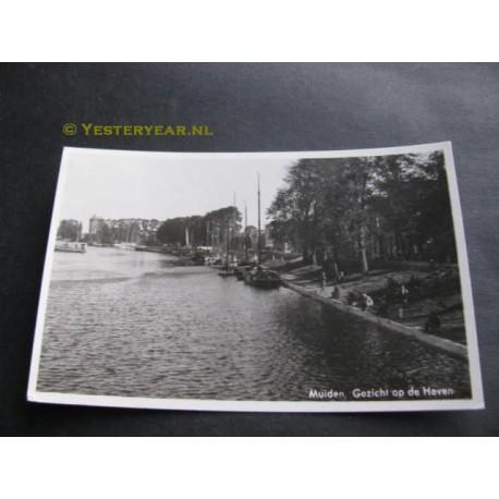 Muiden 1950 - gezicht op de Haven
