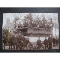 Wouw 1909 - geboorte Juliana - Pijpengilde Ons Vermaak-fotokaart