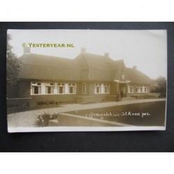Sint Annaparochie ca. 1930 - gemeentehuis - fotokaart