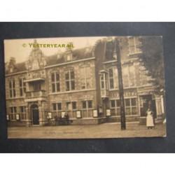 Velsen ca. 1920 - gemeentehuis