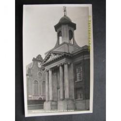 Westzaan ca. 1935 - gemeentehuis en kerk - fotokaart