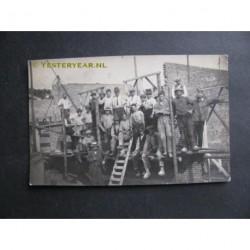 Heerenveen ca. 1930 - metselaars - fotokaart