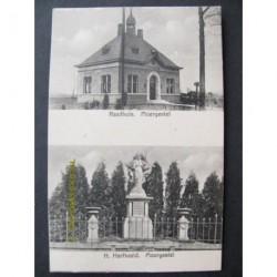 Moergestel 1943 - raadhuis en H.Hartbeeld