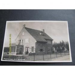 Meerkerk 1943 - N.H. Pastorie - fotokaart