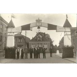Oranjecomite 1938 - ereboog - personen - fotokaart
