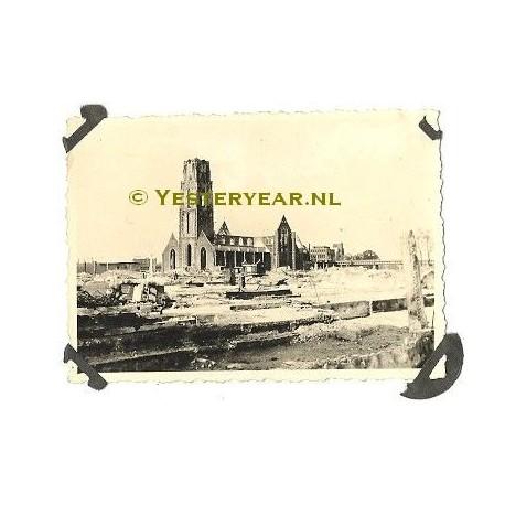 Rotterdam 1945 - oorlogsverwoesting Laurenskerk