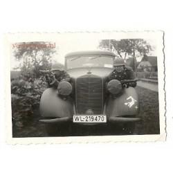 Tilburg ca. 1942 - twee Duitse soldaten op een Mercedes-met gewe