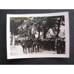 Zwolle ca. 1942 1943 - parade Duitse troepen met Nazivlag
